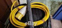 Makita 447M 110v Wet and Dry Vacuum Dust Extractor Vac control hose M class