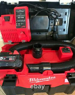 Milwaukee M18 VC2 VAC Professional Wet & Dry With Battery 5,0Ah