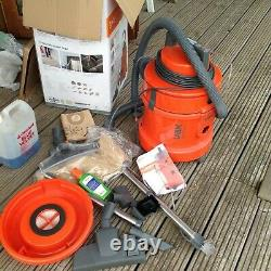 Vax 6131 3-in-1 Multivax Wet & Dry Vacuum Cleaner and Carpet Washer