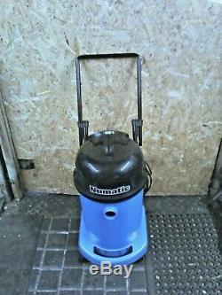 Numatic Wv470 Bleu Aspirateur Humide Commercial C / W De Nouveaux Outils Gratuites Passer
